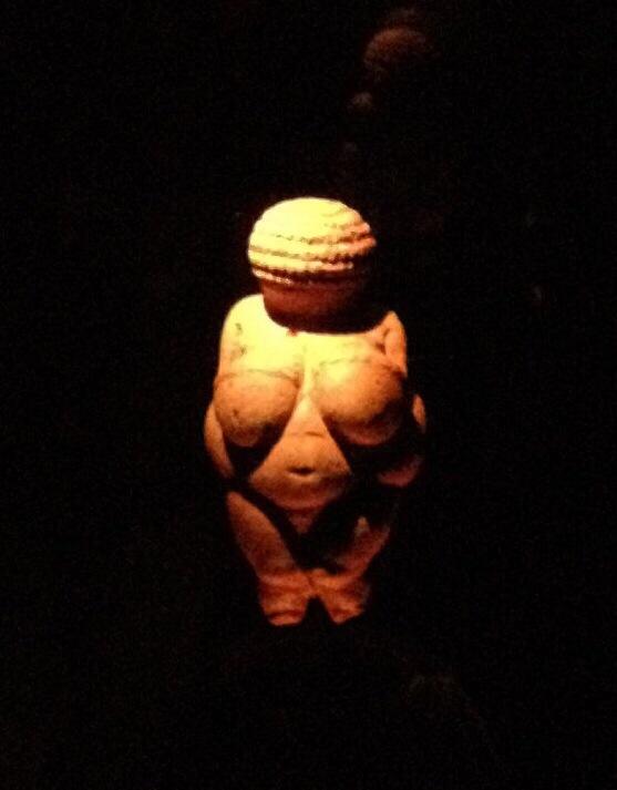 Venus von Willendorf (1/2)